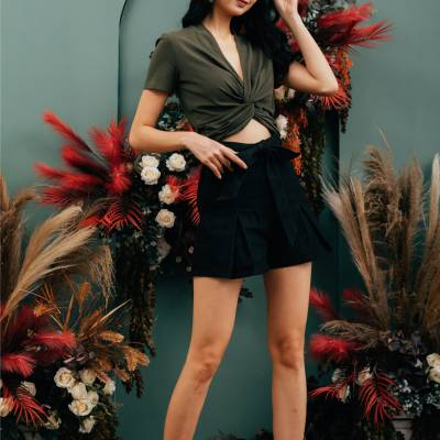 P0112 Denim A-Line Shorts with Inverted Pleats