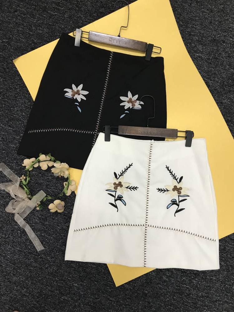 RT0004 Embroidery Skirt